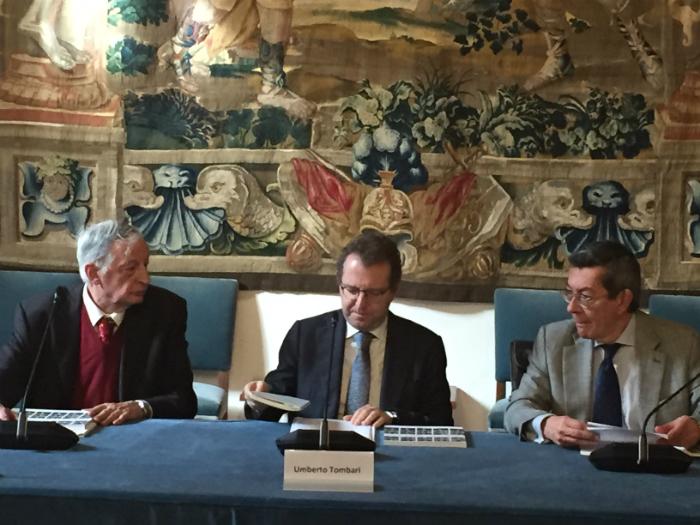 a sinistra prof Ceccuti fond Nuova Antologia, al centro prof Tombari Ente CRF, a destra direttore Biblioteca nazionale