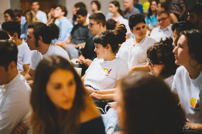 Un bando per coltivare la creatività dei giovani sulla sostenibilità ambientale
