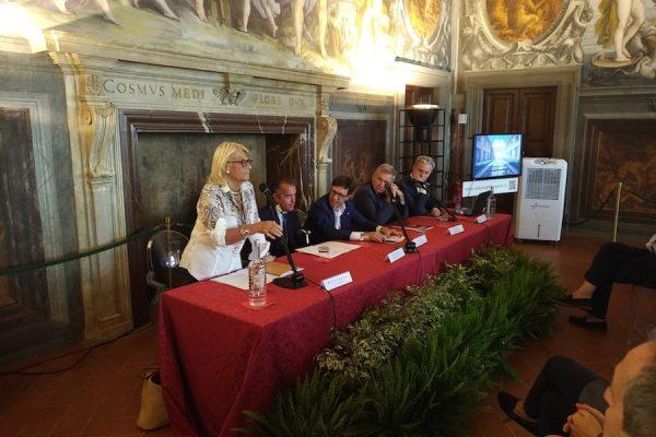 presentazione della mostra internazionale dell'antiquariato di Firenze